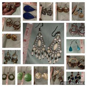Vintage style dangling earrings 🌹☝️